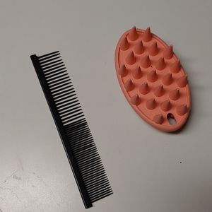 Cat Comb And Rubber Brush Lot of 2
